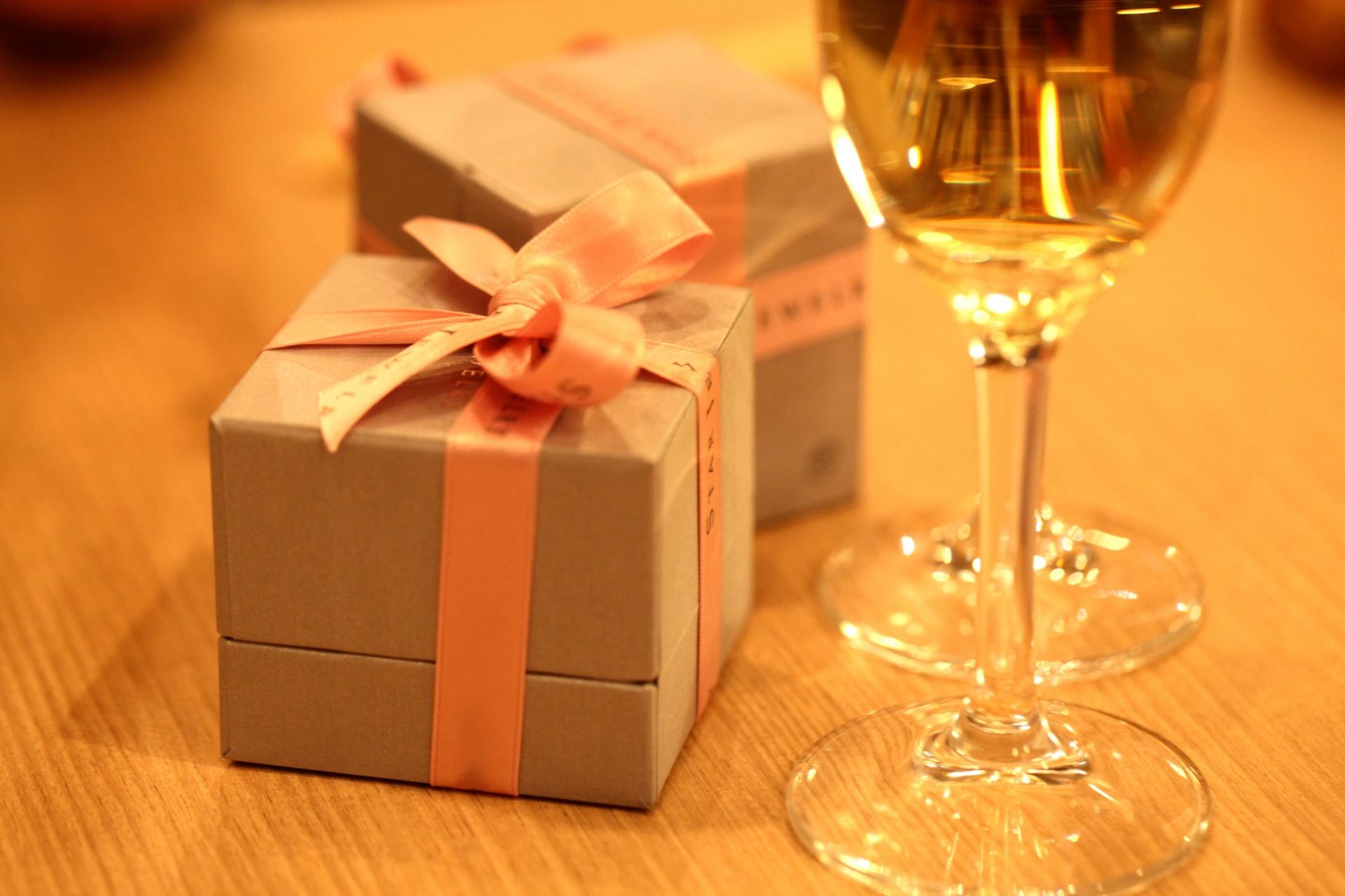 結婚記念日に妻へのプレゼントは花やお食事より思いが詰まった時間の共有を・